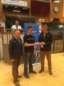 MARK HEDDLE  WINNER OF THE BEST DAILY WEIGHT GAIN HEIFER. PICTURED WITH STUART GARRETT AND KRIS BEVAN (NORTHLINK)